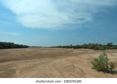 The dry Gilbert River in the outback of Queensland in Australia