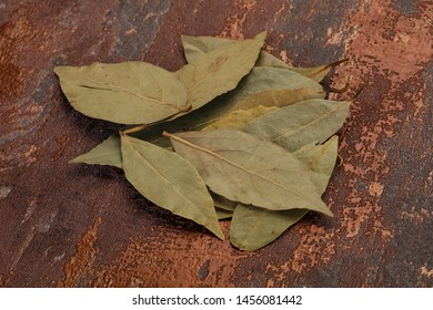 Dry laurel leaves - ready for cooking