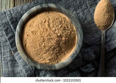 Dry Organic Lucama Powder Superfood in a Bowl