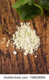 Dry powder Japanese horseradish (wasabi)
