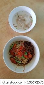 Dry Wan Tan Mee Noodle with Wan Tan Dumpling Soup