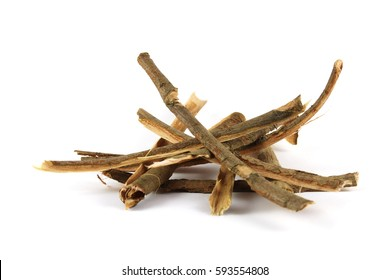 Dry willow (Salix sp.) bark. This drug (Salicis cortex) has been used in traditional medicine  as  febrifuge  dating  back  to  the  18th century.