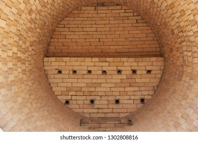 The drying oven is lined inside with refractory bricks