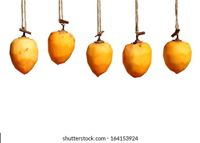 drying persimmon by the sun