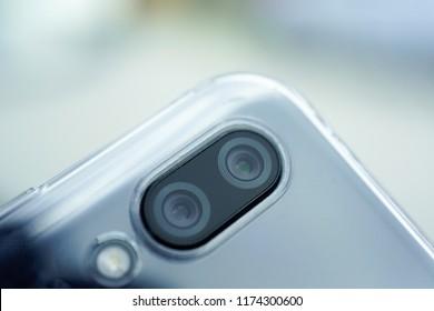 Dual intelligent camera on modern smartphone