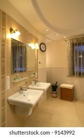 Dual sinks in a master bathroom