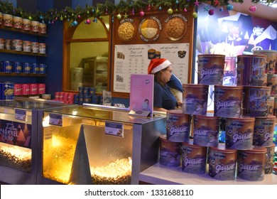 DUBAI, UAE - DEC 8: Garrett Popcorn at Dubai Mall in Dubai on Dec 8, 2018. At over 12 million sq ft, it is the world's largest shopping mall based on total area and 6th largest by gross leasable area.