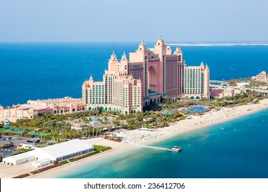 DUBAI, UAE - JANUARY 20: Atlantis hotel on January 20, 2011 in Dubai, UAE. Atlantis the Palm is a luxury 5 star hotel built on an artificial island. From helicopter view from above.