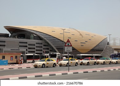 DUBAI, UAE - MAY 29: Taxis in front of a new metro station in Dubai. May 29, 2011 in Dubai, United Arab Emirates