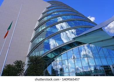 Modern Architecture Images, Stock Photos & Vectors