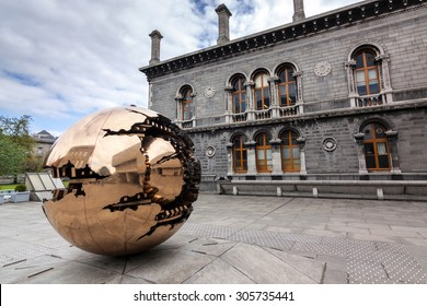 Imágenes, fotos de stock y vectores sobre Trinity College
