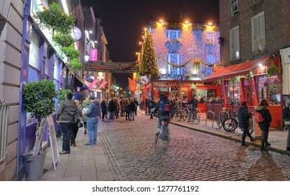 Dublin, Ireland - January 1, 2019: View of the Famous Temple Bar Pub in night