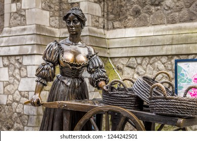 DUBLIN, IRELAND - MAY 7, 2016: Molly Malone statue in the center of the city. The statue has been created to celebrate the city's first millennium in 1988 and its name is a popular song.