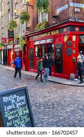 DUBLIN, IRELAND - NOV 11: Street scene in Dublin, Ireland on November 11, 2013. Temple Bar historic district is known as Dublins cultural quarter with lively nightlife.