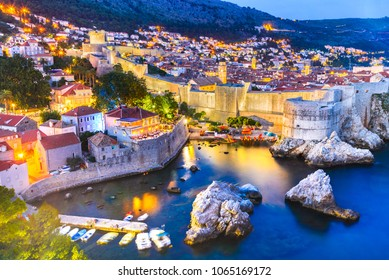 Dubrovnik, Kroatien. Spektakuläre Dämmerung malerische Aussicht auf die Altstadt von Ragusa von der Festung Lovrijenac.