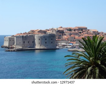 Dubrovnik is one of the most beautiful cities on the Croatian coast. In the Middle Ages the Republic of Dubrovnik was an important rival of Venice.