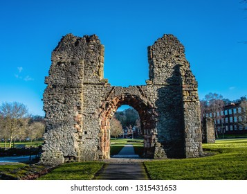 Dudley Priory ruins
