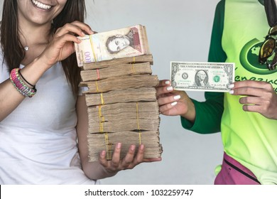 Due to the economic crisis and hyperinflation in Venezuela, the unofficial dollar exchange rate reaches 250,000 bolivars for one dollar. There is a large shortage of cash in the country