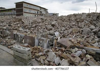 DUISBURG, GERMANY - 12.04.2016 Business occupational lecture Duisburg-Middle (Kaufmaennisches Berufskolleg Duisburg-Mitte) Destruction, a fully disposal of building