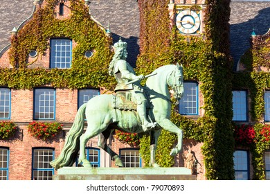 Duke Jan Wellem (Johann Wilhelm) monument in front of the townhall in Dusseldorf, Germany. The equestrian statue was erected in 1711.