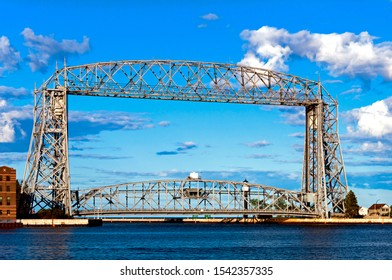 Duluth, Minnesota & Aerial Lift Bridge