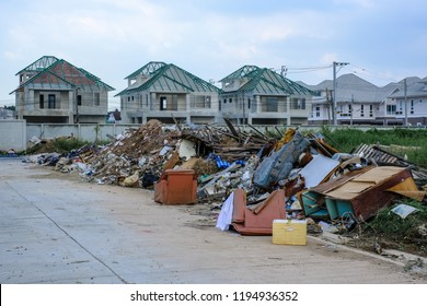 Dump located in the residential construction.