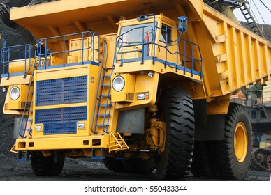 the dump truck, dump truck, huge, big, transport, machinery, quarry, extract, the bowels of the earth