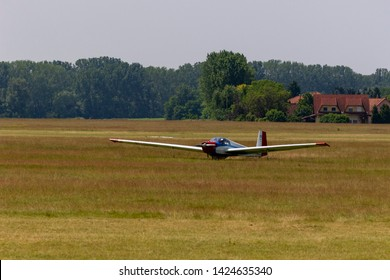 Motor Glider Images, Stock Photos & Vectors | Shutterstock