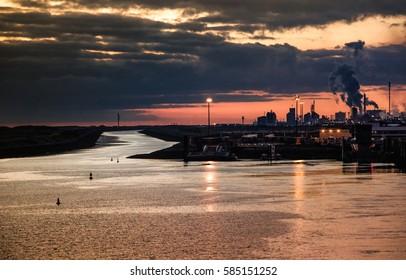Dunkirk, Dunkerque port