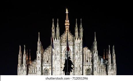Duomo di Milano, symmetrical cathedral in Milan, Italy