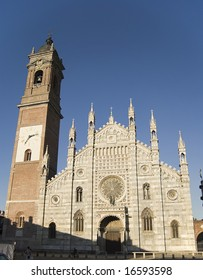 Duomo of Monza facade in a sunny late afternoon