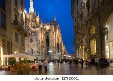 Duomo and restaurant, Lombardy, Milan, Italy