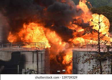 DUQUE DE CAXIAS - may 23: fire in tank of gasoline storage on may at Duque de Caxias City near Rio de Janeiro, 23, 2013 in Duque de Caxias, Brazil.