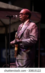 DURHAM, NORTH CAROLINA-SEPT 19:Clarence Carter performs on stage at Durham Blues Jazz Festival on Sept 19, 2008 in Durham, North Carolina.