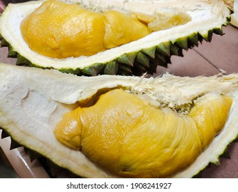 Durian nicknamed the King of fruits