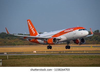 DUSSELDORF / GERMANY - AUGUST 2018 EasyJet Europe Airbus A320-214, OE-IZO, cn 5522 approaching runway 23R. ex Air Berlin and Niki.