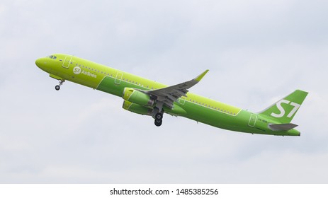 DUSSELDORF, GERMANY - MAY 26, 2019: S7 Airlines Airbus A321-231 (CN 6734) takes off from Dusseldorf Airport.