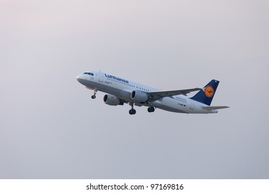 DUSSELDORF, GERMANY - SEPTEMBER, 25: Lufthansa Airbus A320 in climb flight over International Airport in Dusseldorf on September 25, 2011. This aircraft has a seating capacity of about 160.