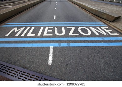Dutch road marking announcing a environmental zone (Dutch: milieuzone)