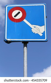 Dutch road sign: crossing guards