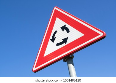 Dutch road sign: roundabout ahead