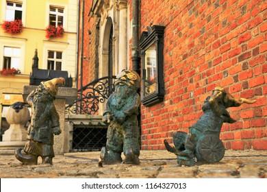 Wrocław's Dwarfs - Poland Wroclaw Little Statues Against Communism
