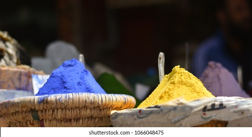 dyes for blue and yellow fabrics in oriental markets