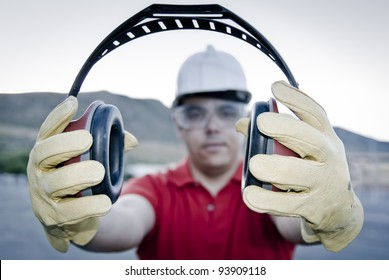 ear muff to protect workers' ears