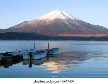 Early morning lakeside view of Mount Fuji