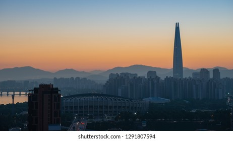 Early morning light over the skyline of downtown Seoul, South Korea.