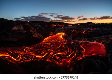 early morning light and a pahoehoe lava flow