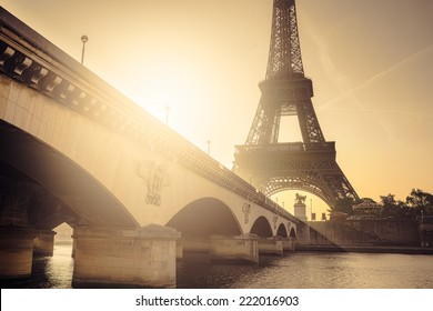 Early morning sunrise at the Eiffel Tower, Paris, France