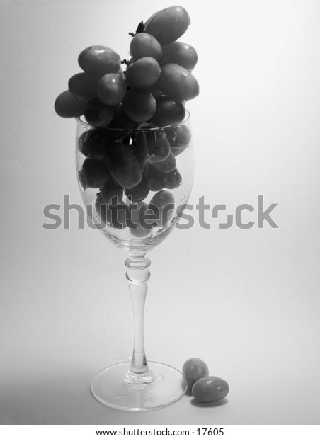 Early Wine, grapes in a wine glass