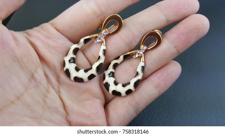 Earrings Beautiful Design of Jewelry Fashion Accessories for Women and lady Shiny crystal or diamond